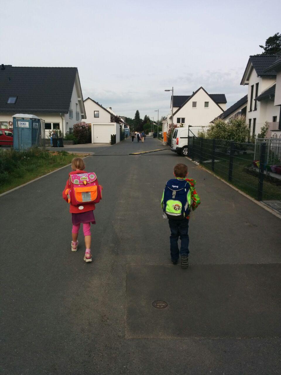 Zu Fuß zur Schule 2015